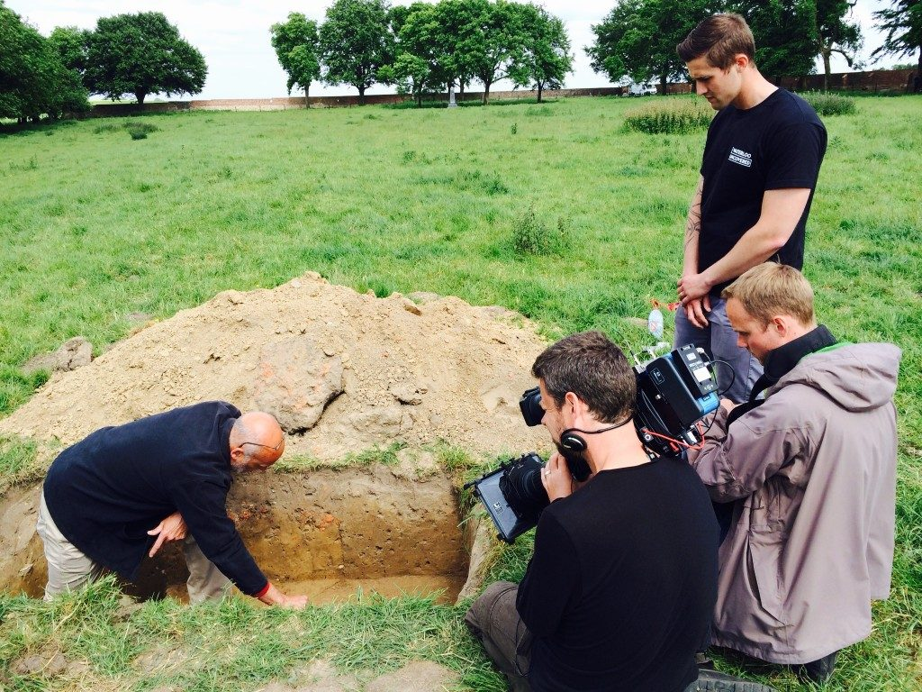 Dominique Bosquet (Archaeological Director) explaining the finds to the BBC