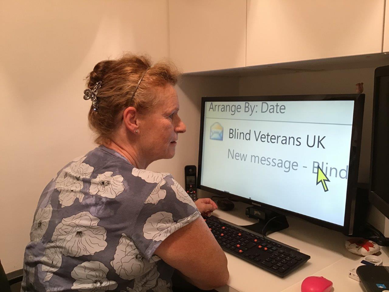 veteran using a computer